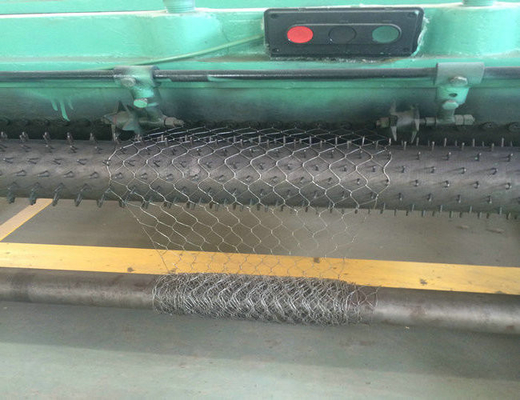 Electro Galvanized Wire Netting Machine / Welded Wire Mesh Machine Untuk Pagar Kelambu